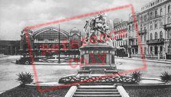 Station Square c.1930, Basel