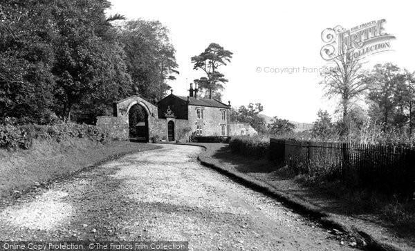 Bashall Eaves, The Hall Gates c.1955