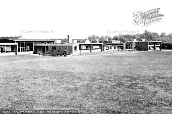 Basildon, Kingswood County Primary School c.1960