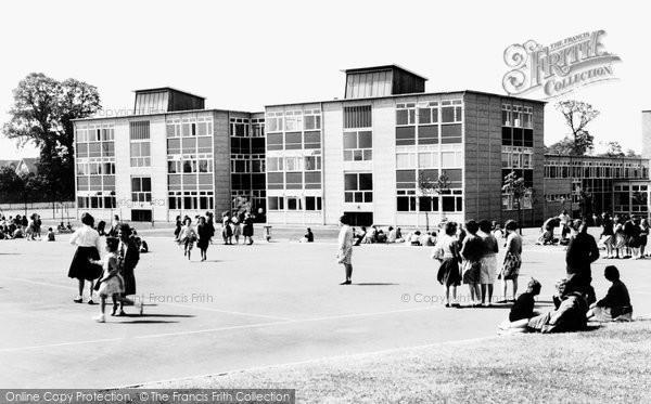 Basildon, Woodlands Girls' School c.1960