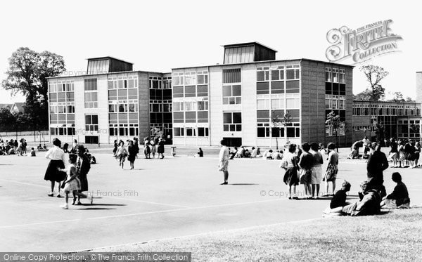 Basildon, Woodlands Girls' School c1960
