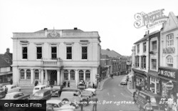 Basingstoke, The Town Hall c.1960