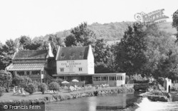 Bathampton, The Weir Hotel Tea Garden c.1960