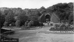Batley, The Tunnel And Gardens, Wilton Park c.1955