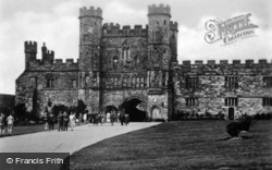 Abbey, The Gateway And Grounds c.1930, Battle