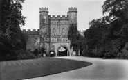 Battle, The Abbey Gateway 1910