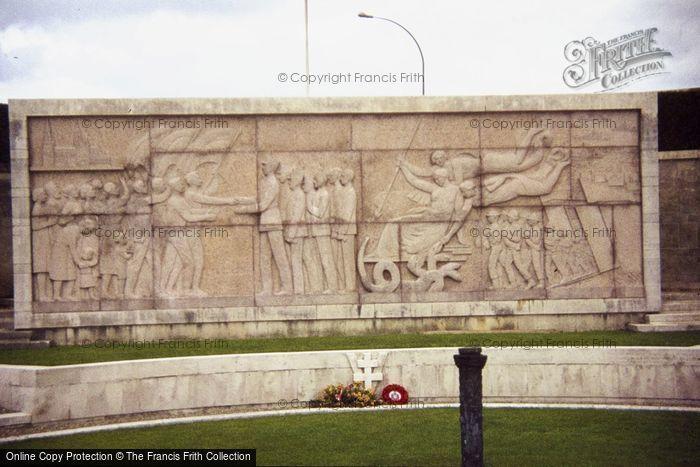 Photo of Bayeux, Liberation Monument 1984