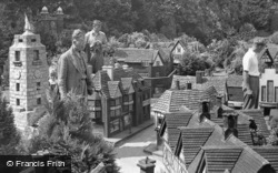 Beaconsfield, Bekonscot Model Village c.1955