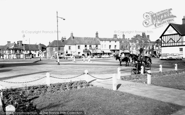 Beaconsfield, The Roundabout c.1960