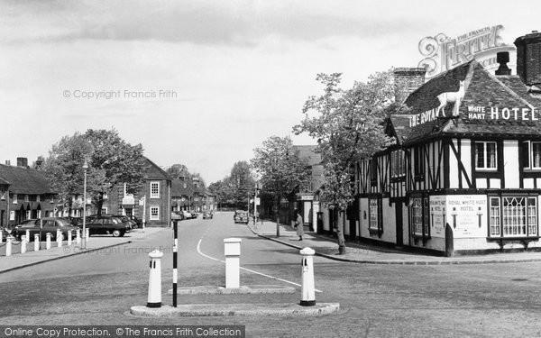 Beaconsfield, The Royal White Hart c.1955