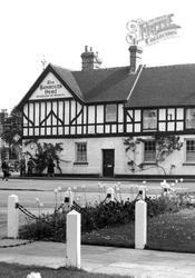 The Saracen's Head c.1955, Beaconsfield