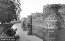 Beaumaris, Castle And Moat 1933