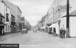 Beaumaris, Castle Street c.1955