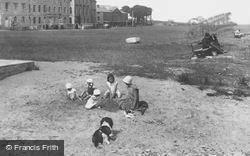 On The Beach 1933, Beaumaris