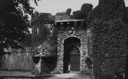 Beaumaris, The Castle Entrance 1890