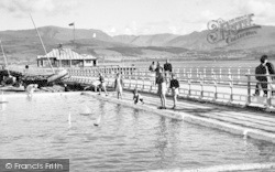 Beaumaris, The Paddling Pool And Pier c.1960