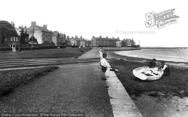 Beaumaris, West End 1933