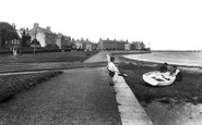 Beaumaris, West End 1933