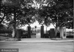 Bebington, Entrance To The Rose Gardens 1936