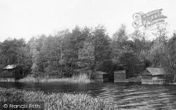 Dunburgh Boat House 1900, Beccles