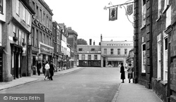 Beccles, High Street c.1960