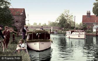 Beccles, the River Waveney c1960