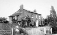 Beckbury, Farmhouse c.1960
