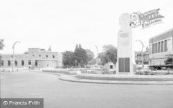 Beckenham, Roundabout And Memorial 1965
