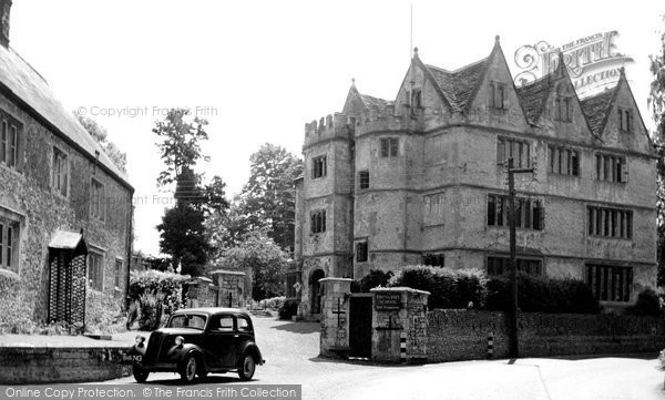 Photo of Beckington, Ravenscroft School c.1950