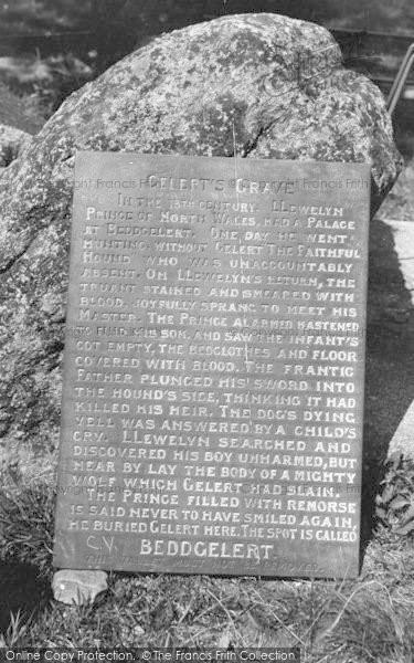 Photo of Beddgelert, Gelert's Grave, The Inscription c.1938