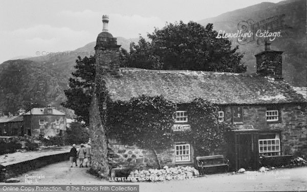 Photo of Beddgelert, Llewelyn's Cottage c.1935