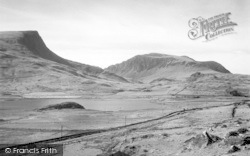 Beddgelert, Llyn-Y-Gader And The Caenarvon Road c.1947
