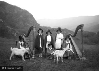 Beddgelert, the Snowdonia Harp Choir c1938
