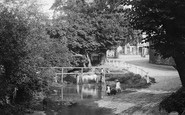 Beddington, Children Playing By The Wandle 1894