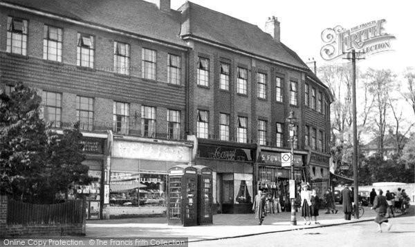 Photo of Beddington, The Broadway 1952