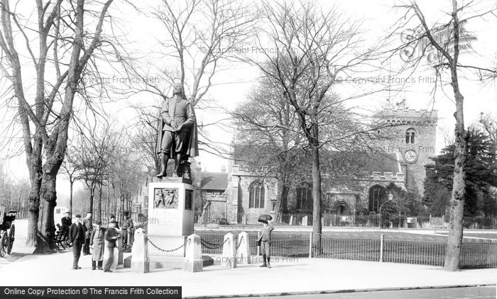 Bedford, Bunyan's Statue And St Peter's Church 1898