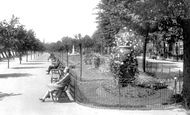 Bedford, Embankment Gardens 1929