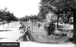 Bedford, Embankment Gardens 1929