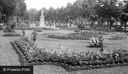 Bedford, Embankment Gardens c.1955