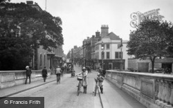 High Street From Town Bridge 1921, Bedford