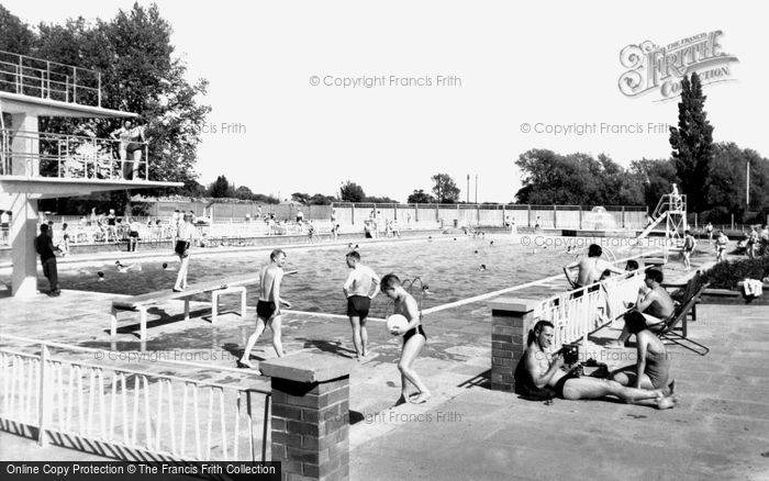 Bedford Newnham Outdoor Pool Francis Frith