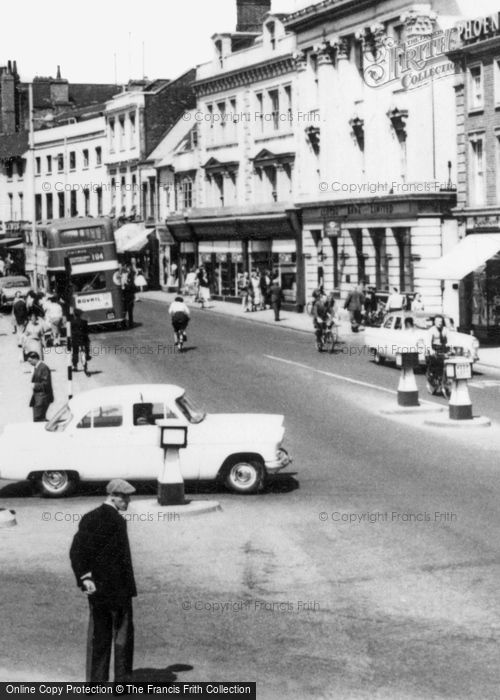 Bedford, St Paul's Square And High Street c.1965