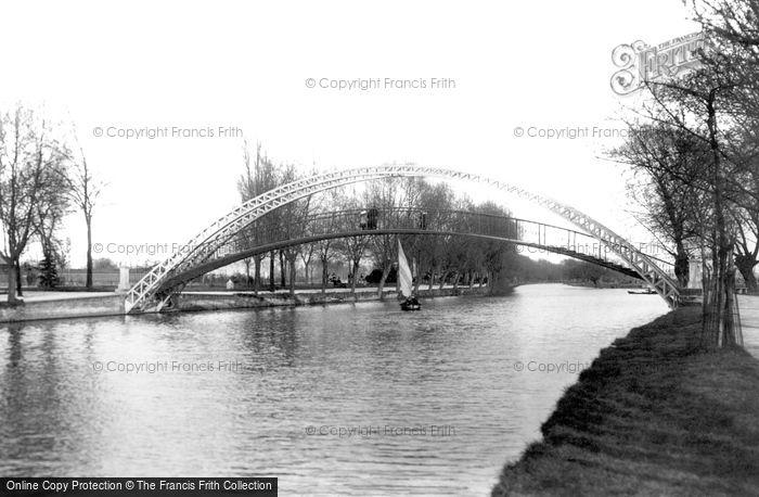 Bedford, Suspension Bridge 1898