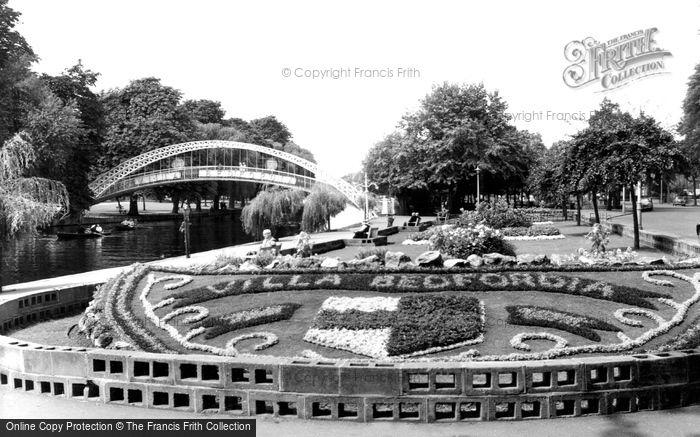 Bedford, Suspension Bridge And Embankment Gardens c.1960