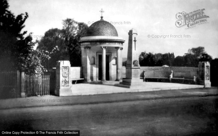 Bedford, The War Memorial 1929