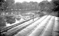 Bedford, The Weir 1921