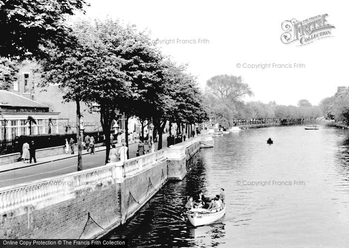 Photo of Bedford, view from Town Bridge c1955