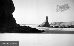 Bedruthan Steps, The Shore And Queen Bess Rock c.1955