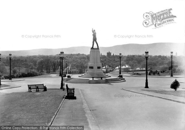 Photo of Belfast, Lord Carson Monument, Stormont 1936