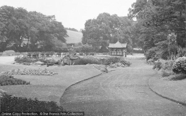 Photo of Belper, The Gardens c.1950